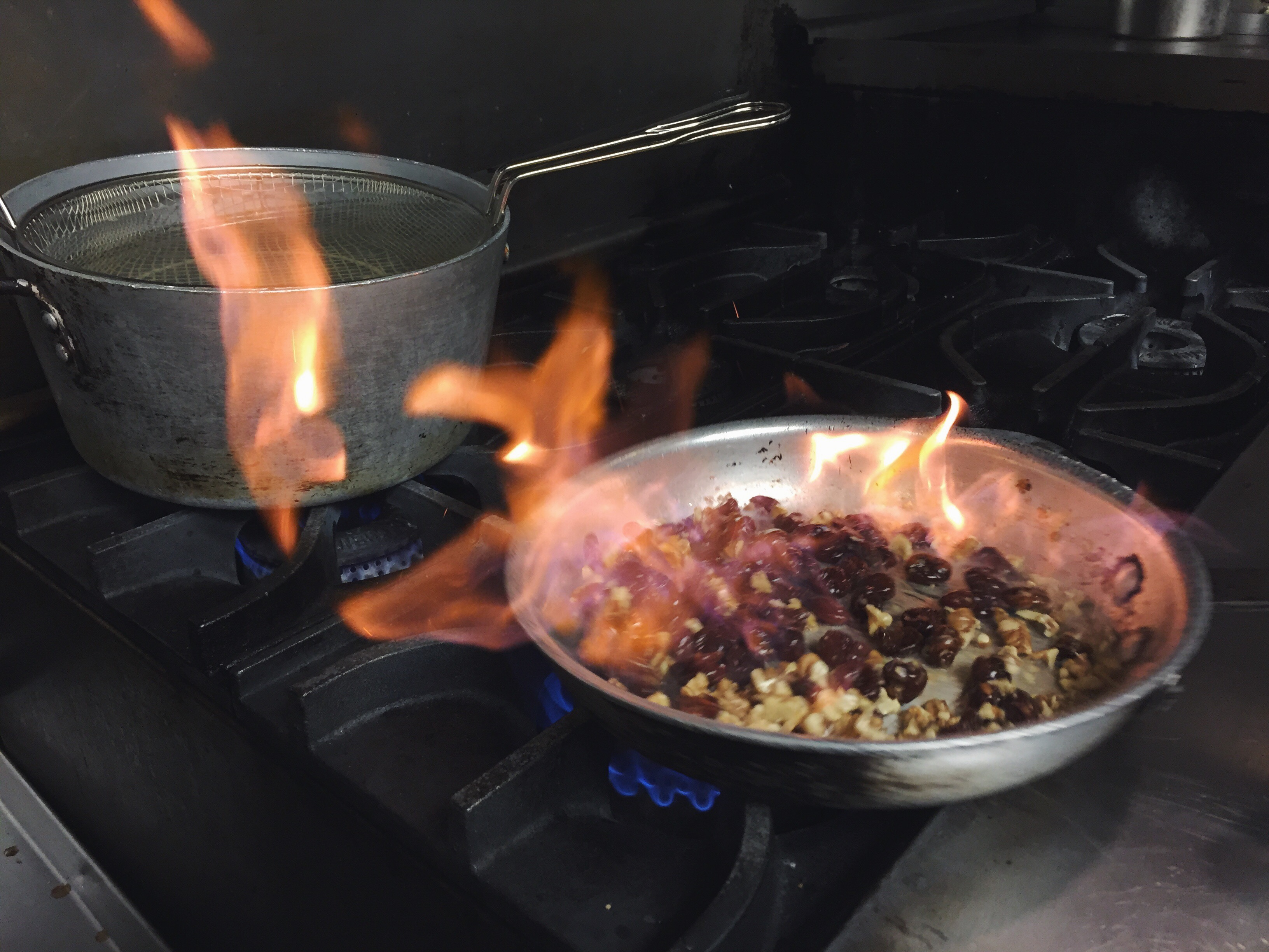 carmel's chef scott competes in return of the mac - upland brewing co.